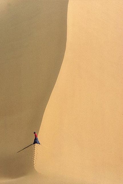 Desert du Tenere. dune minimaliste. Niger by courregesg, via Flickr