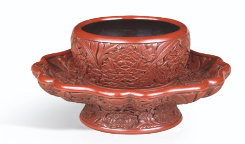 Carved cinnabar lacquer mallow-shaped 'floral' bowlstand, Ming dynasty, Yongle period, Seikado Bunko Art Museum, Tokyo © Seikado Bunko Art Museum Image Archives / DNPartcom