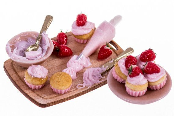 making strawberry cupcakes board dollhouse miniature by amanspeak, $29.50