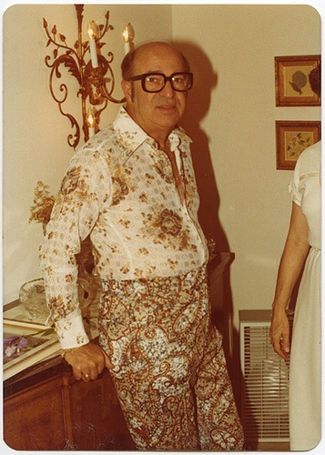 Fashion faux pas, circa 1970s.  Photo from the collection of Angelica Paez.