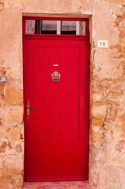 La porte rouge de Provence