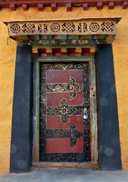 Tempio Porta in Tibet