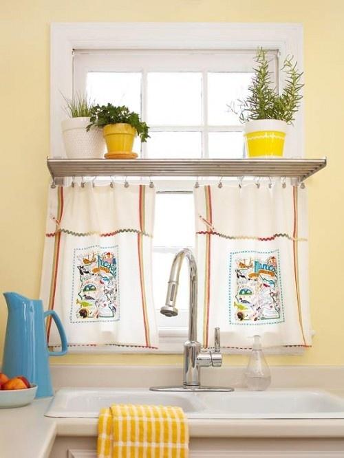 Cute kitchen window curtain idea