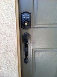 I love a combo front door lock | For the Home | Pinterest