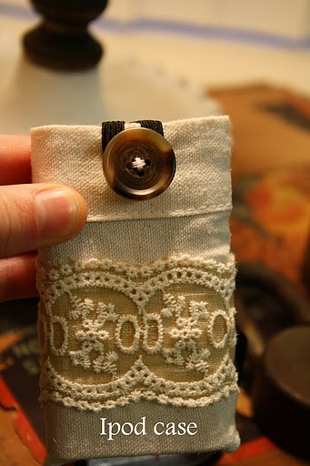Use lace and muslin and an old spare button to make an easy DIY iPod case or phone case
