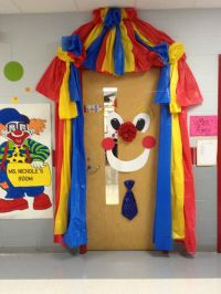 Clown circus door | Party Ideas | Pinterest