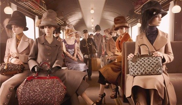 Perfect outfits for travel by train by Louis Vuitton #bags #fashion