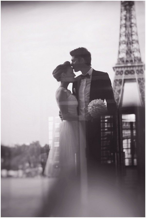 Unique Paris photography © Djamel Photography | French Wedding Style