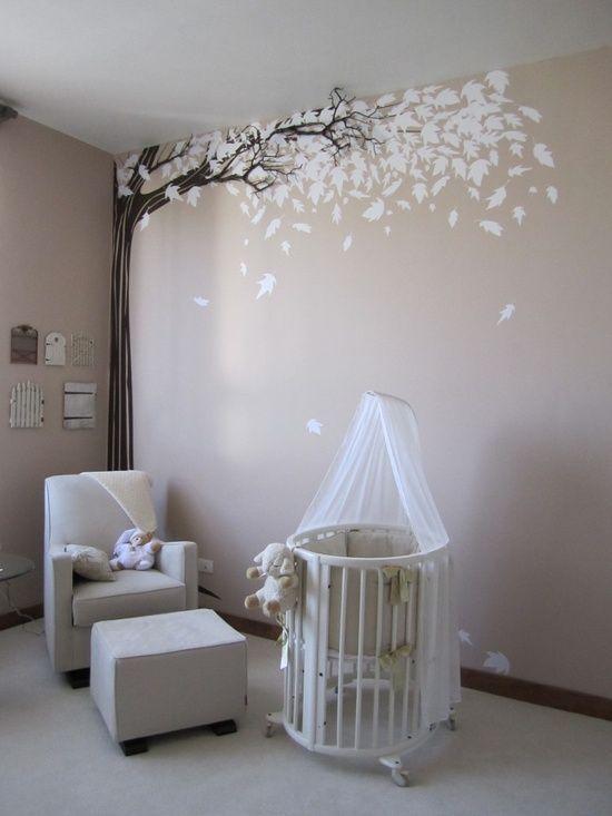 Habitación de bebé con vinilo