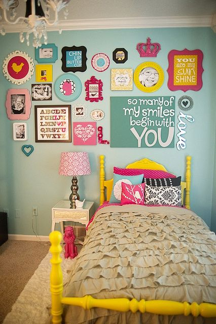Funky room, love the colours!