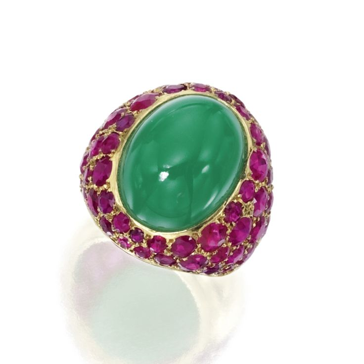 Gold, chrysoprase and ruby ring, Suzanne Belperron, France, circa 1940. Photo Sotheby's