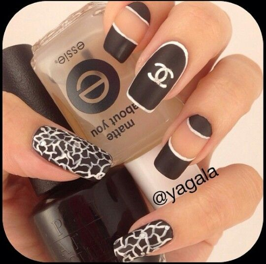 Black and white Chanel nail design