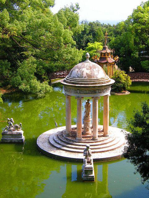 Tempio di Diana a Villa Durazzo-Pallavicini a Genova, Italia (da Mc Glen).