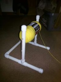 Yarn holder | Crochet | Pinterest