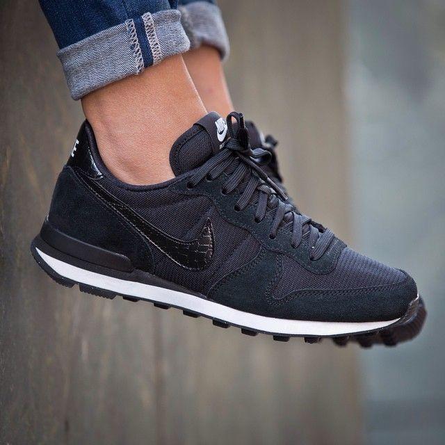 scarpe da ginnastica per camminare nike