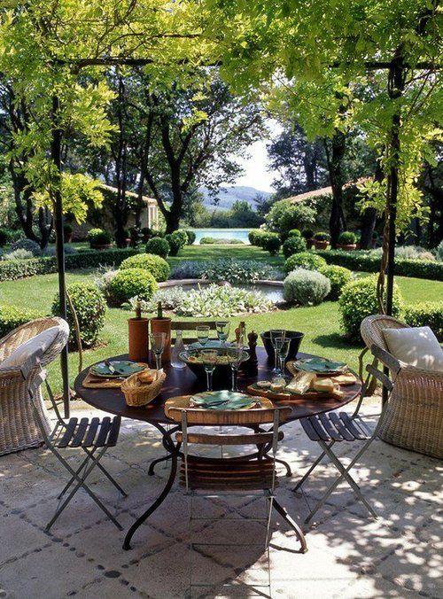 Designer Francois Catroux's Provencal Garden. Photo: Tim Clinch.