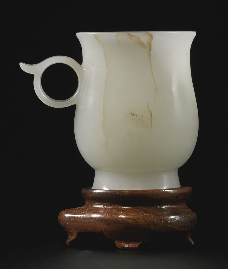 A SMALL WHITE JADE CUP<br>YUAN / MING DYNASTY | Lot | Sotheby's