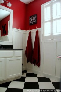Bathroom in Red, Black and White | ideas for the cottage ...