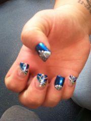 pretty blue nails cool