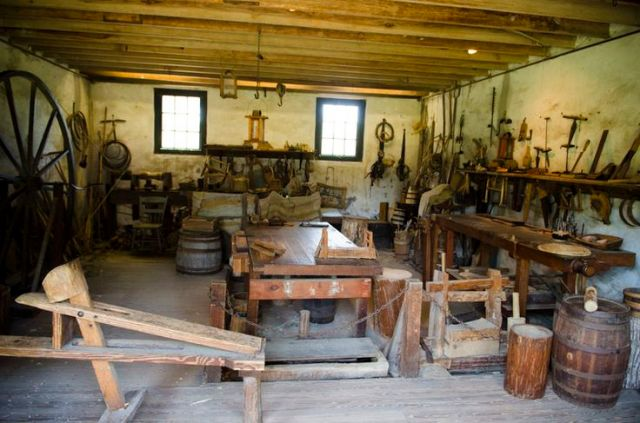 Traditional Workbenches: Middleton Plantation Traditional Workshop ...