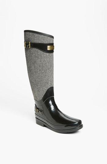 WANT. Regal Hunter Rain boots #hunter #rubberboots