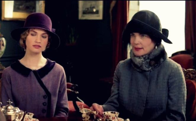 Downton Abbey: Lady Cora and Lady Rose - dress details, S4 E01