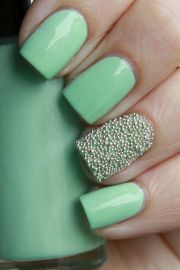 nail art light blue green