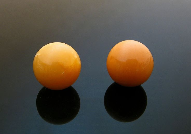 Natural melo melo pair of of 20,99 ct and 20,85 ct by Federico Barlocher