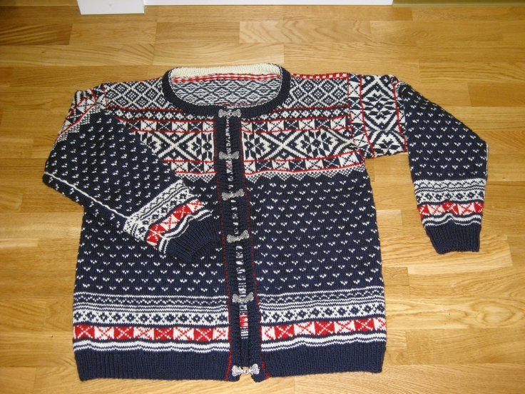 Man's knitted jacket, Norwegian style, called Lice cardigan from the spotted pattern