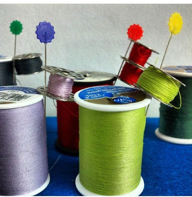 Awesome organization idea from my friend Dinah B: attach matching threads and bobbins with a straight pin! Great tip!