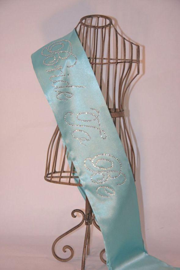 Breakfast At Tiffany Novia Para BE- Bachelorette Sash - azul de Tiffany.  $ 33.00, a través de Etsy.  (Tema del color de la diversión también)