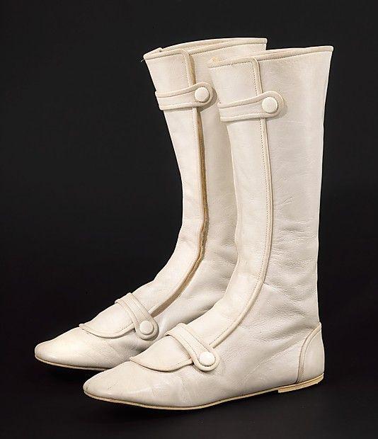 Boots, André Courragès