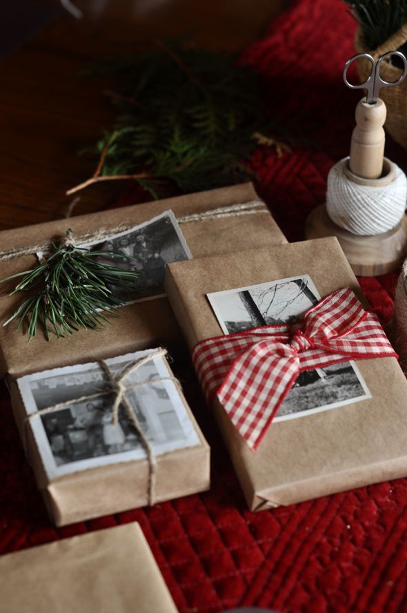 holiday wrappig ideas  gift wrap with photos