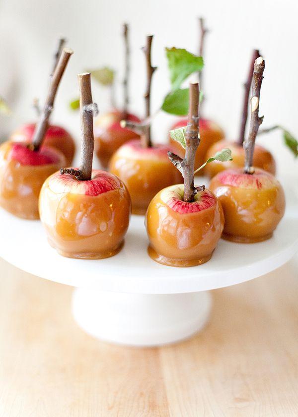 Halloween evil queen carmel apples!