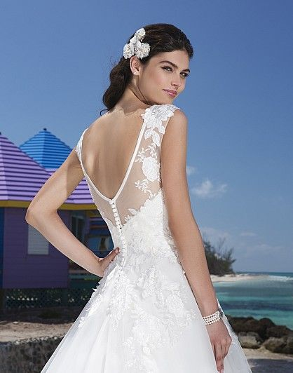 "NEW IN!!! ""Christina"" 2013 Wedding Gowns, Bridal Dresses & Evening Wear - Sincerity 