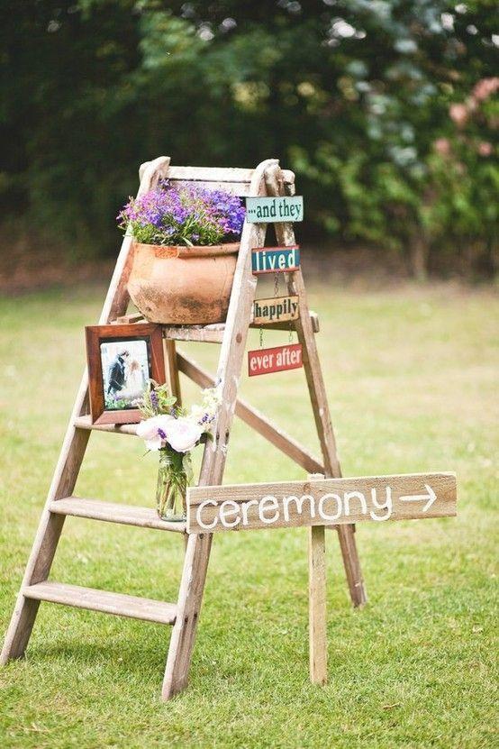 Decora tu boda con escaleras de madera mi boda diy for Escalera de madera al aire libre precio