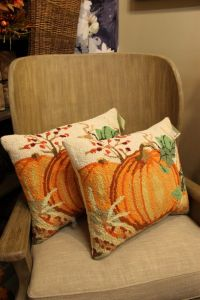 hooked rug pumpkin pillows | Wool | Pinterest