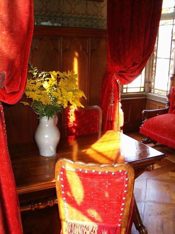 Red Room Designs