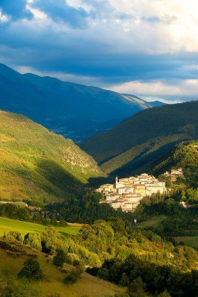 Città medievale di Preci in Umbria, Italia