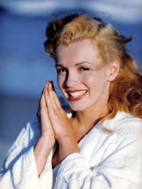 Marilyn Monroe - natural hair color | 1960s | Pinterest