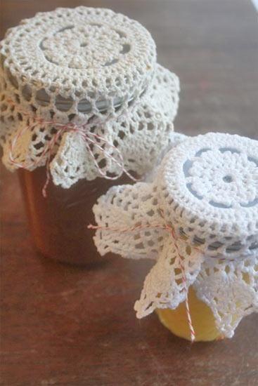DIY DOILY CRAFTS DIY Crafts: DIY Vintage-Inspired Doily Jar Topper