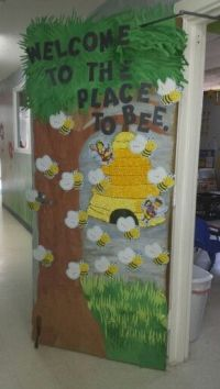 Bumble bee class door | Classroom Door decor ideas | Pinterest