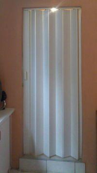 Folding Doors: Accordion Folding Doors Bathroom