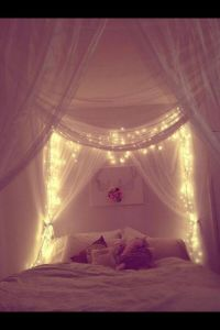 four poster bed, canopy and fairy lights | Things I want ...