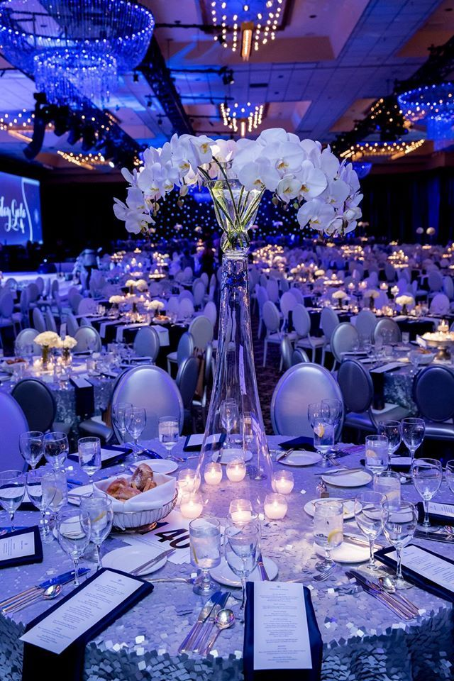 2014 Gala spectacular table by @toloevents #fredhutch #fredhutchinson #cancer #gala2014 #holiday #2014 #fundraiser #toloevents