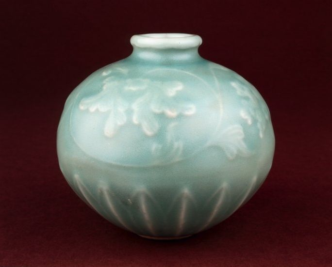Globular oil jar,