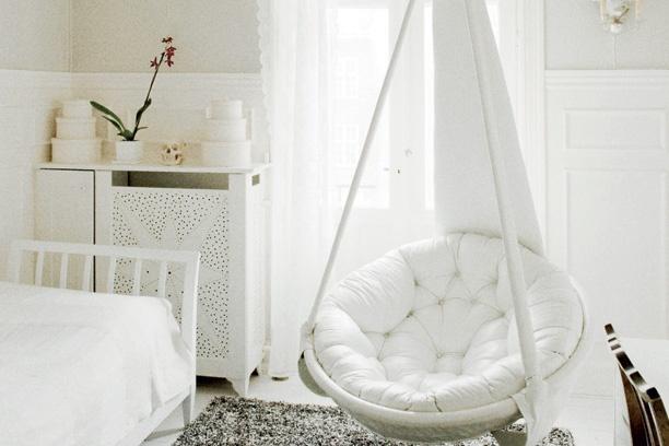 Homemade hanging chair  girls bedroom ideas  Pinterest
