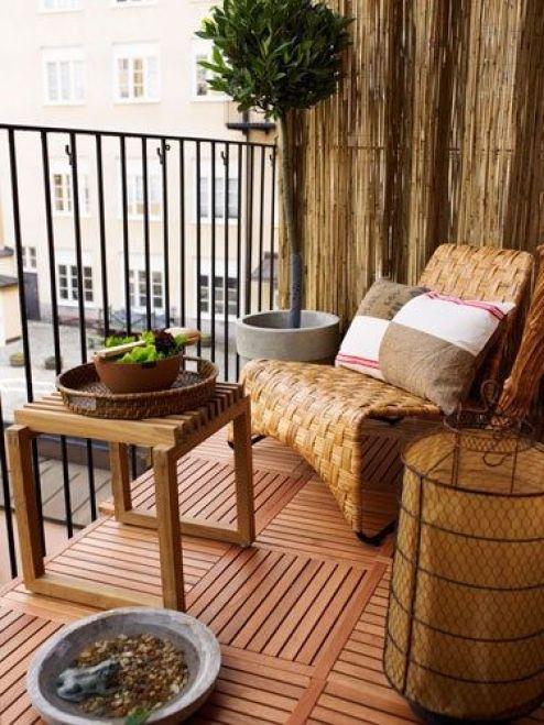 Balcone piccolo 20 idee per arredare guida giardino for Arredare coi tessuti