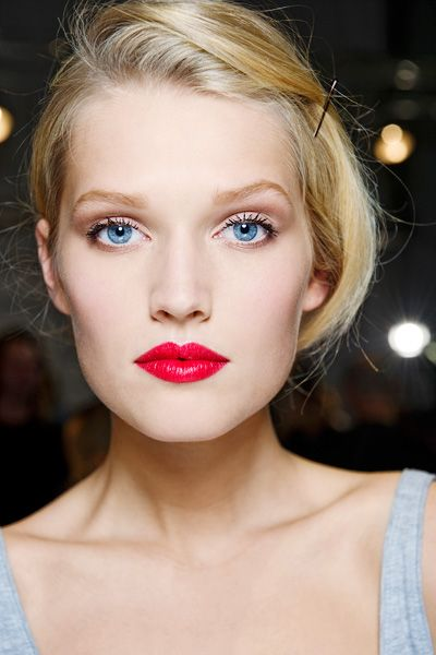 retro red lip and blue eyes