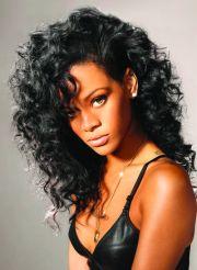 rihanna hair curly